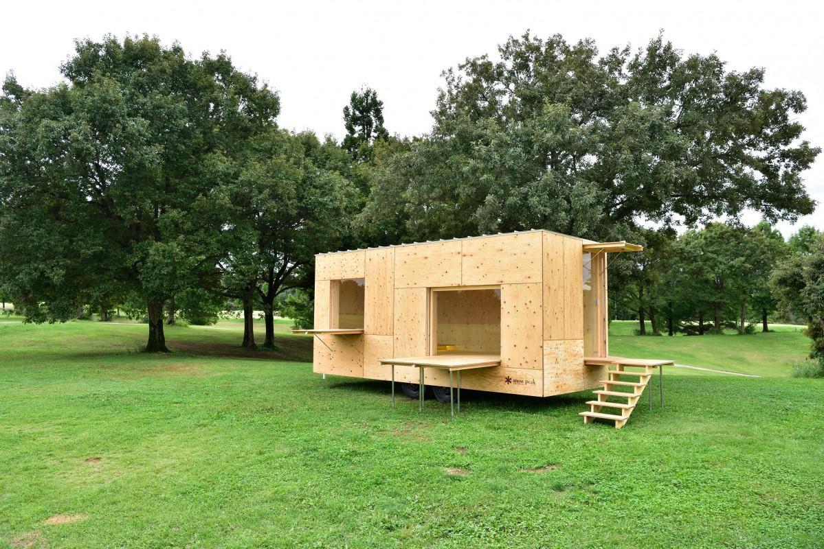 コワーキングスペースは、スノーピーク社製「住箱(ジュウバコ)」を改修して設置する