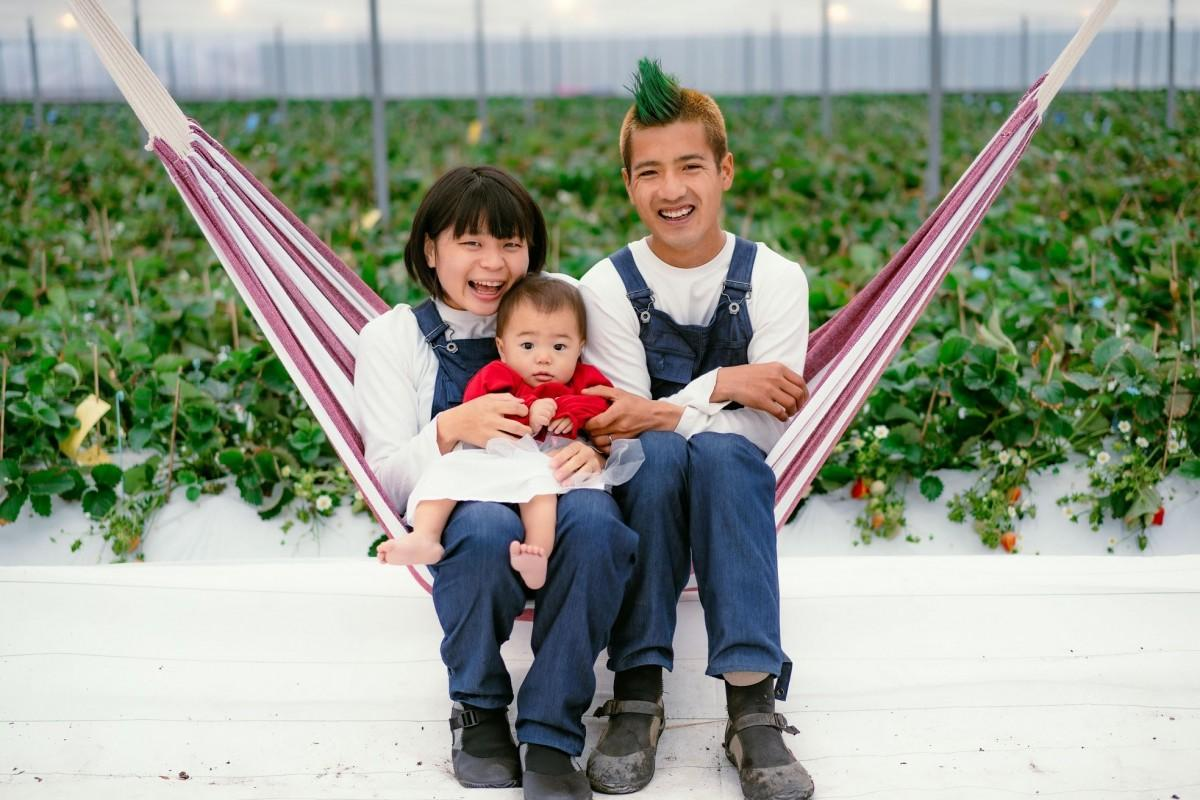 くらうんふぁーむの代表の渡邉泰典さんと妻でカメラマンの茜さん