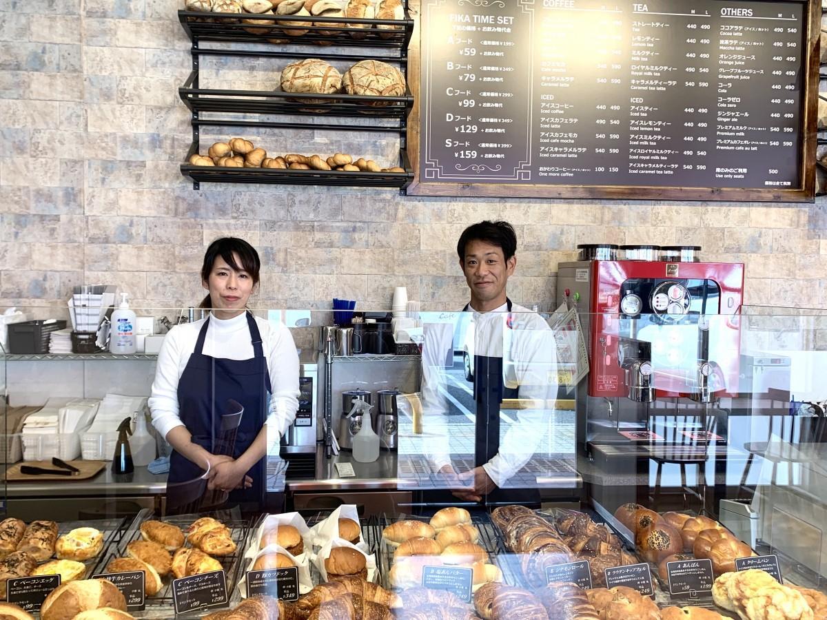店内の様子、スタッフの三輪亜弥さんと川口潤さん