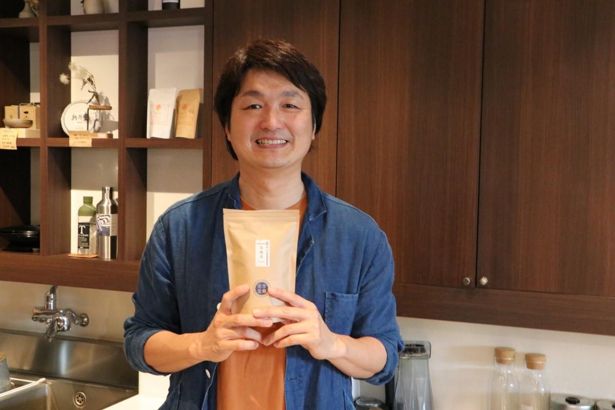 「2014熟成宮崎烏龍茶」を手がけた日本茶ソムリエの白尾尚美さん