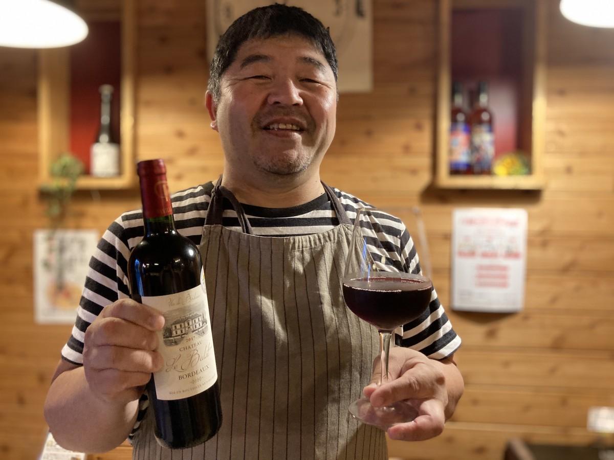 10万プランを扱う「飫肥ワイン食堂ANBERASHU」の有衛富男さん