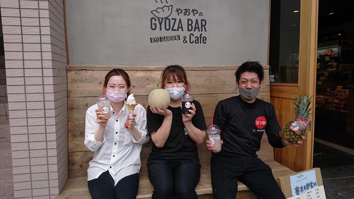 左からスタッフの吉井瀬南さん、取締役副社長の吉岡淳子さん、スタッフの児玉旭さん