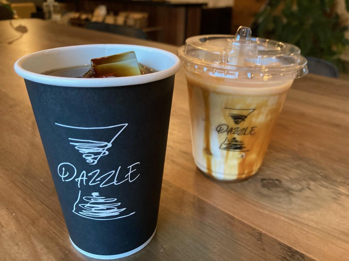 環境に配慮したテークアウト用カップ(写真提供:DAZZLE coffee stand)