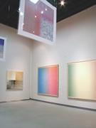 現代アーティスト・百瀬寿さん企画展-独自のグラデーション作品を網羅