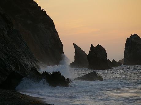 陸中海岸を撮影した多賀谷さんの作品のひとつ(展示作品とは別)