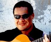 盲目のギター&ボーカリスト グラストン・ガリッツァさん、盛岡でライブ開催へ
