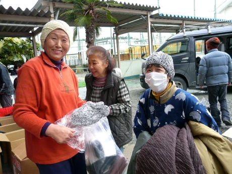 古着を配布するなど被災地支援を手掛けてきた