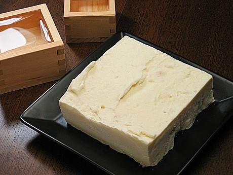 チーズケーキハウスチロルの「大槌町よっぱらいチーズケーキ」
