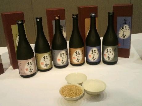 統一ラベルで県内の酒造会社6社が発売