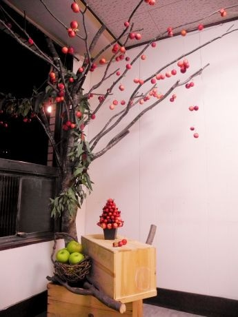 室内に再現されたりんごの木。りんごとユーカリの爽やかな香りが広がる