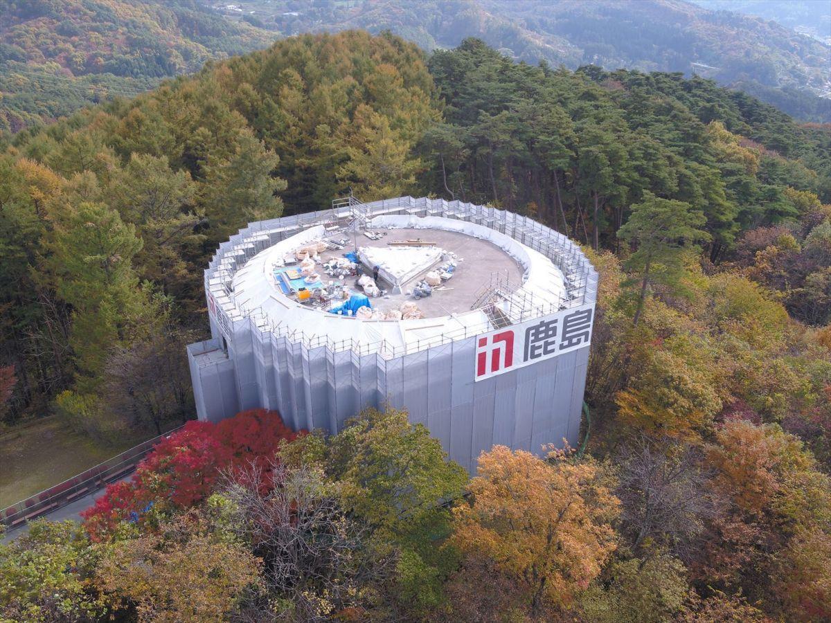 改修が進む岩山展望台の様子(鹿島建設提供)