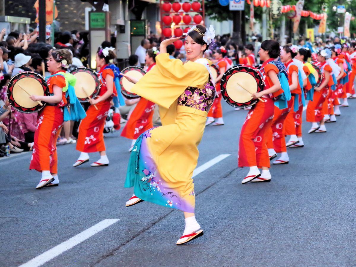 パレードにも参加する「盛岡さんさ踊り」