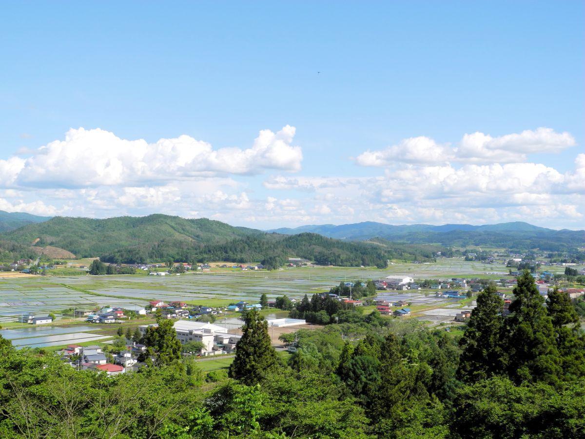 会場となる「若殿屋敷跡」から見える紫波町内の景色