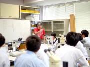 以前の高校生向け実験教室の様子