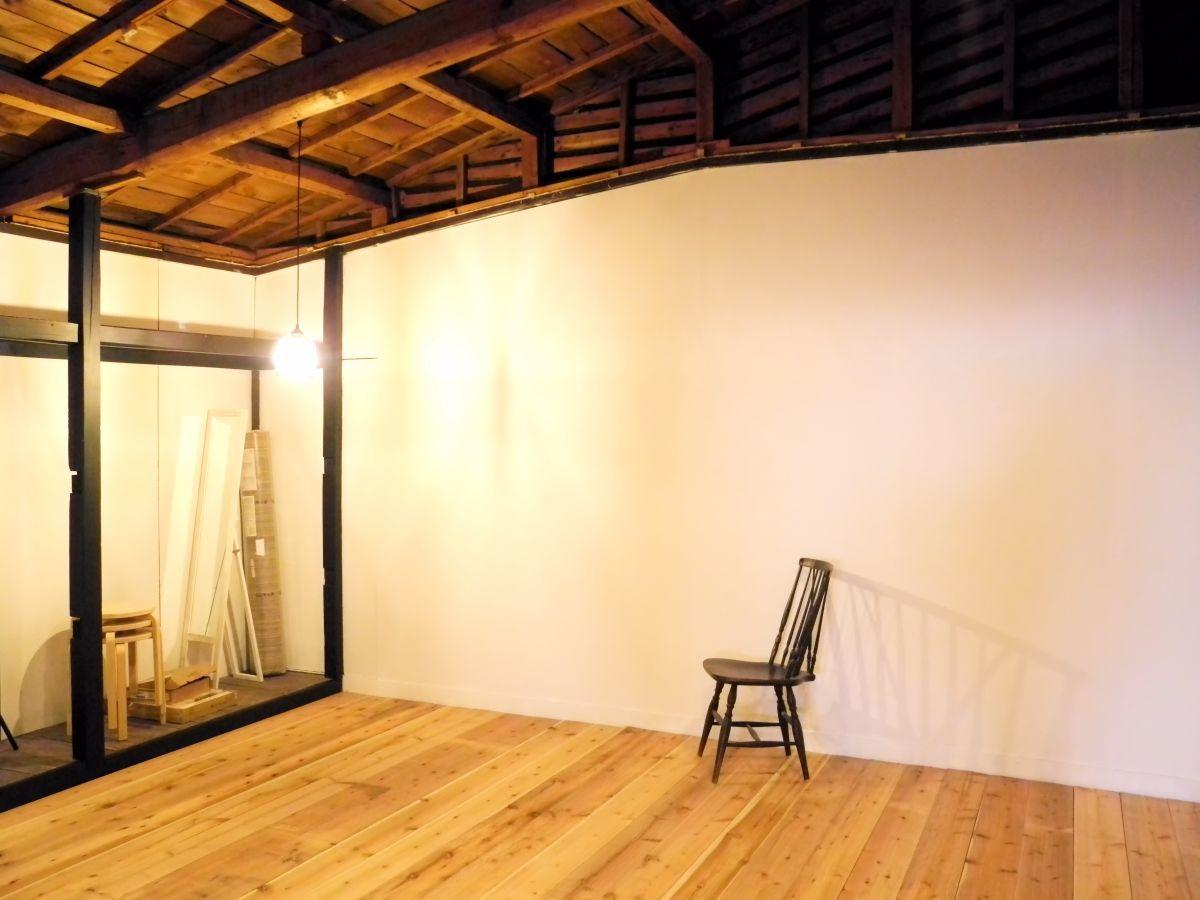 準備が進むレンタルスタジオ「nido」の一角