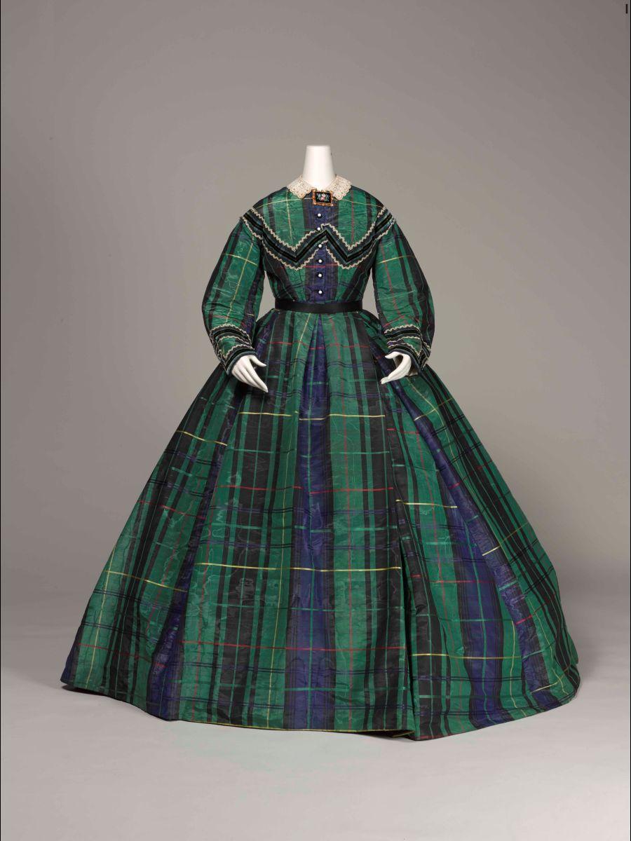 1865年頃 神戸ファッション美術館蔵