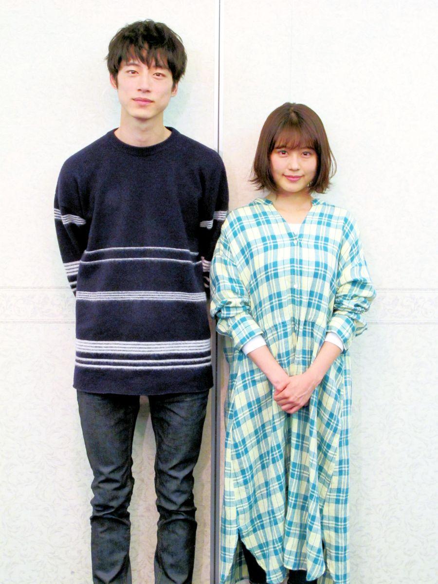 主演の有村架純さんと坂口健太郎さん