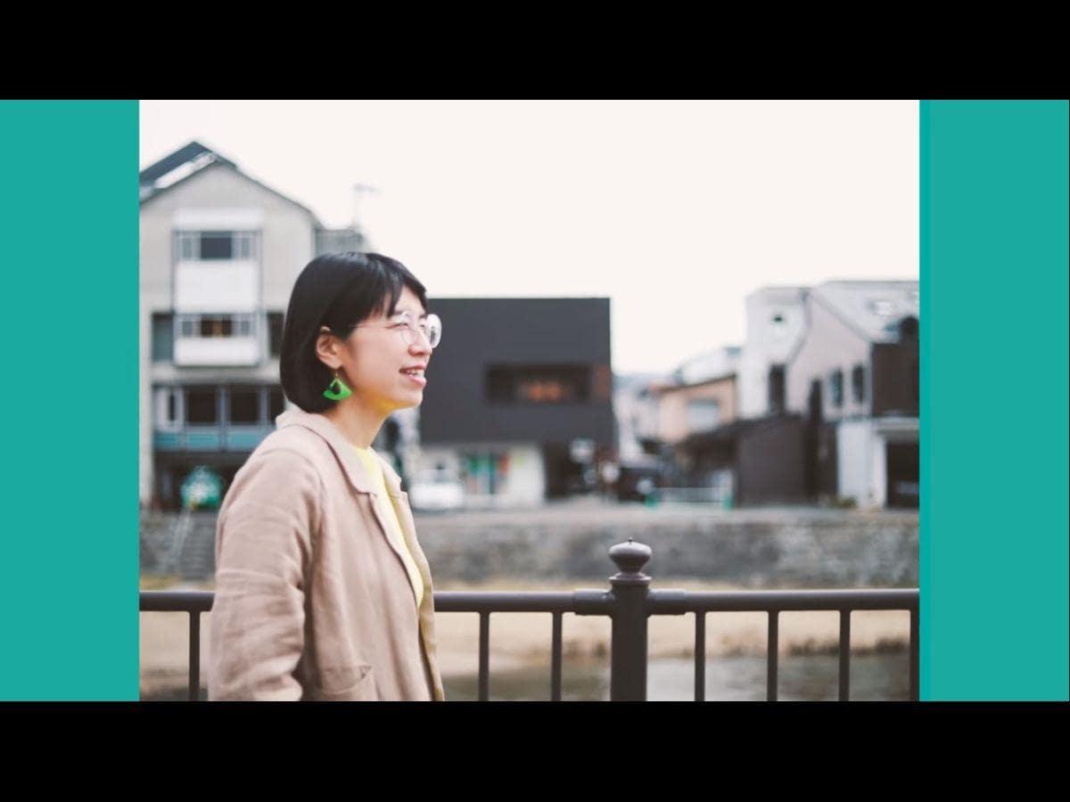 「コーヒータウン」MVより。中津川沿いの風景が写る