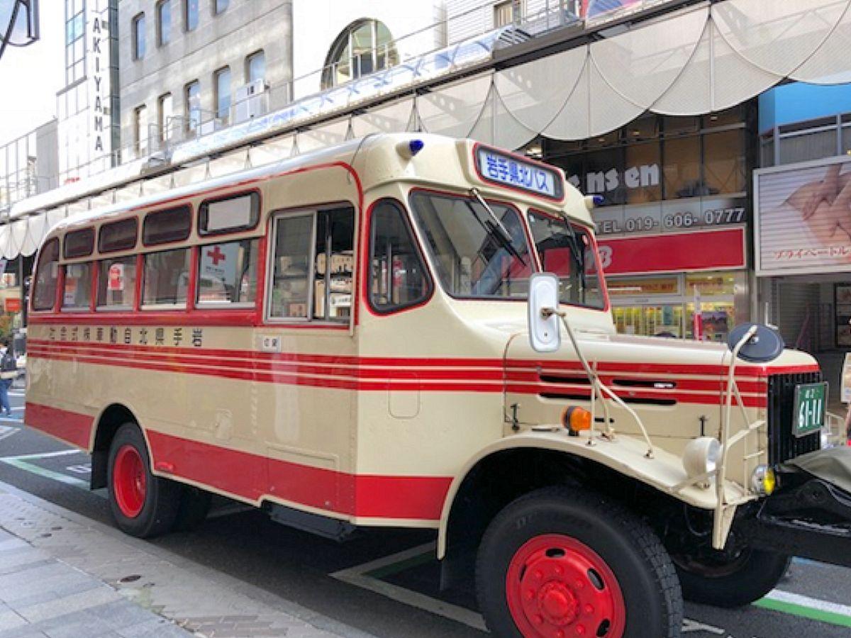 昨年の「バスの日まつり」のバス展示の様子