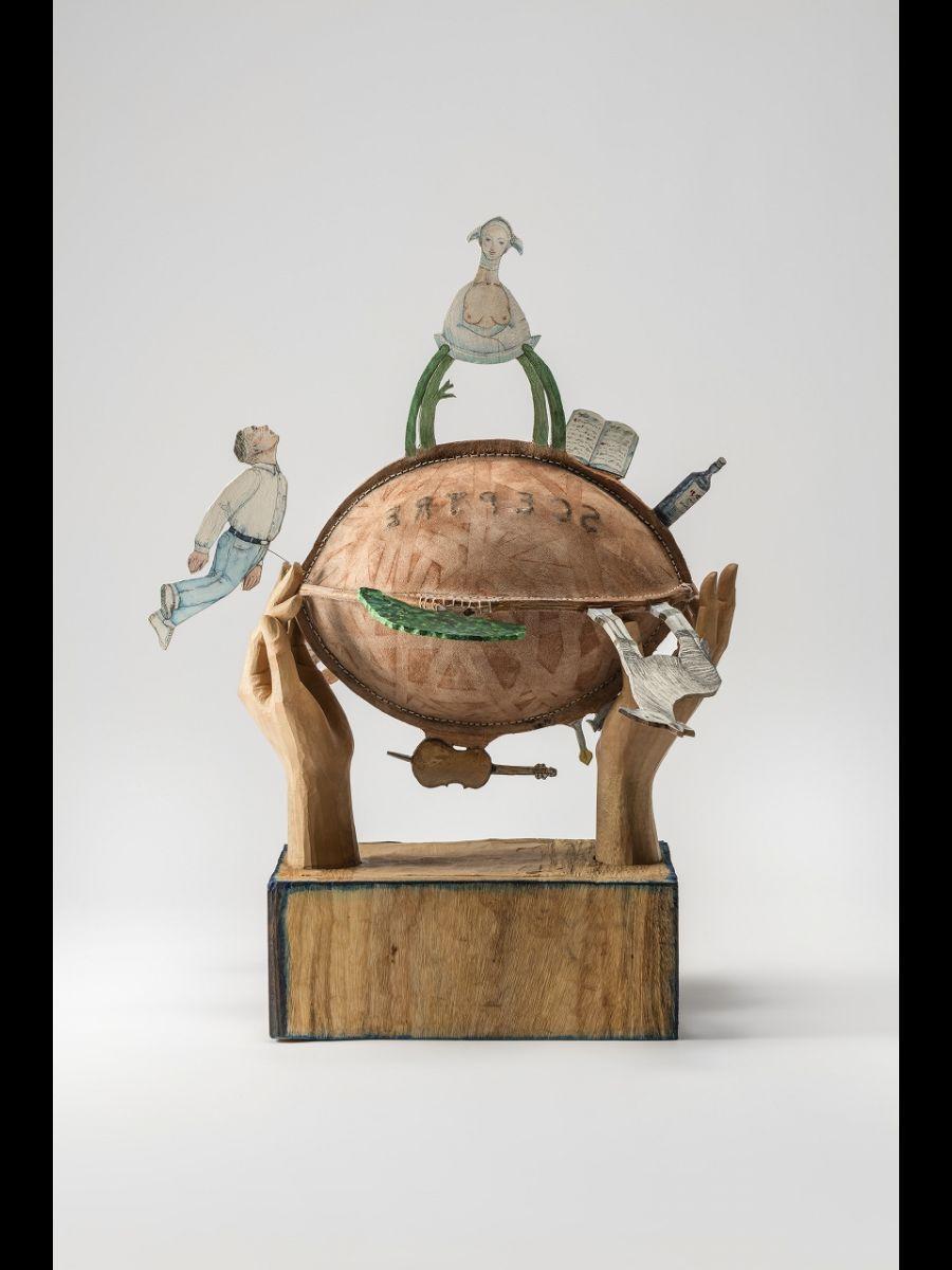 彫刻家・舟越桂さんによる作品「あの頃のボールをうら返した。」