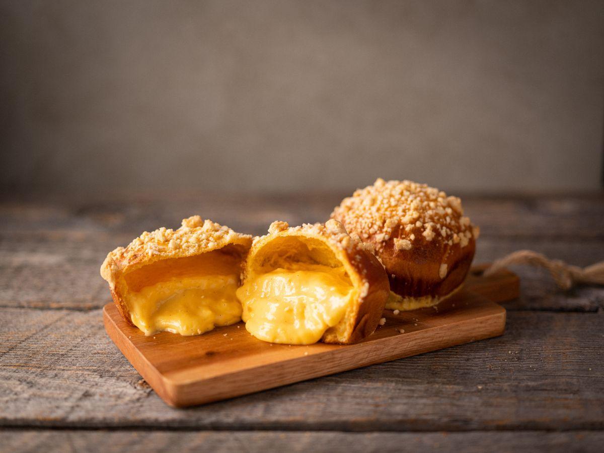 新幹線で輸送する商品の1つ「御養卵のクリームパン」