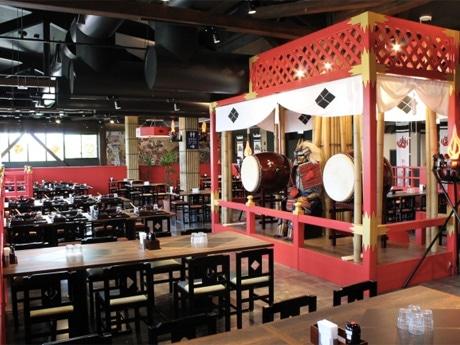 戦国テーマレストラン「甲斐宝刀信玄館(かいほうとうしんげんやかた)」店内の様子