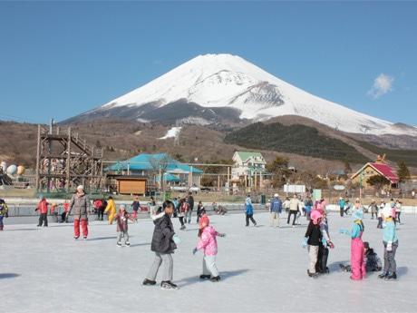 ぐりんぱ「湖のスケート場」