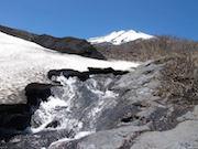 富士山須走口の「まぼろしの滝」が見頃へ 今年は例年通り