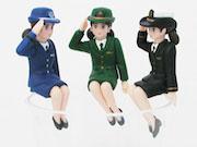 「女性自衛官のフチ子」限定発売 敬礼姿で陸海空自衛隊制服を着用
