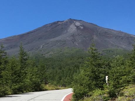 夏山シーズンの富士山