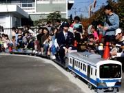 足柄SAで伊豆箱根鉄道コラボイベント 体験企画や写真展、グッズ販売も