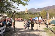 親子で楽しむ野外フェス「マンモスハローキャンプ」、河口湖町で開催へ
