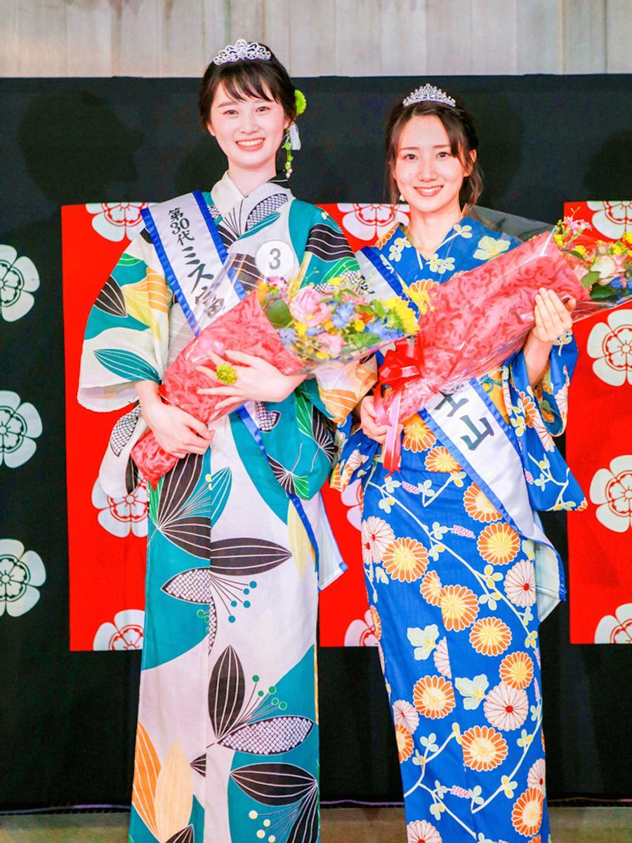 「第30代ミス富士山グランプリ」の井出二千翔さん(左)、「第30代ミス富士山」の望月里佳さん(右)