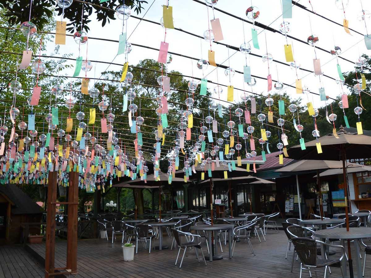 450個の風鈴が並ぶ風鈴カフェ