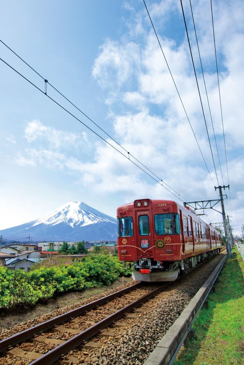 富士急行1000系と富士山