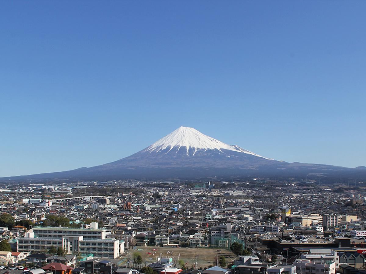 富士市から望む富士山