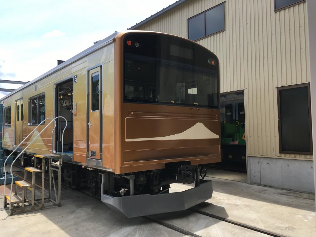富士急行線開業90周年記念車両