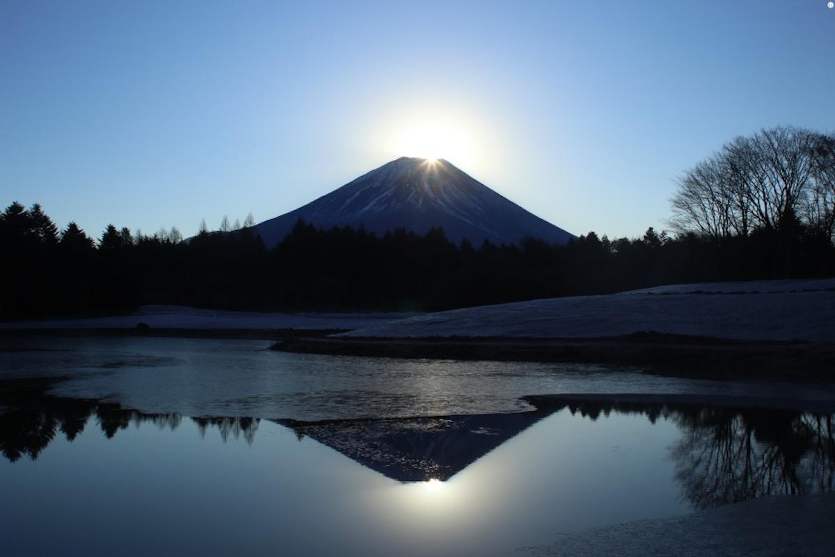 本栖湖からのダイヤモンド富士