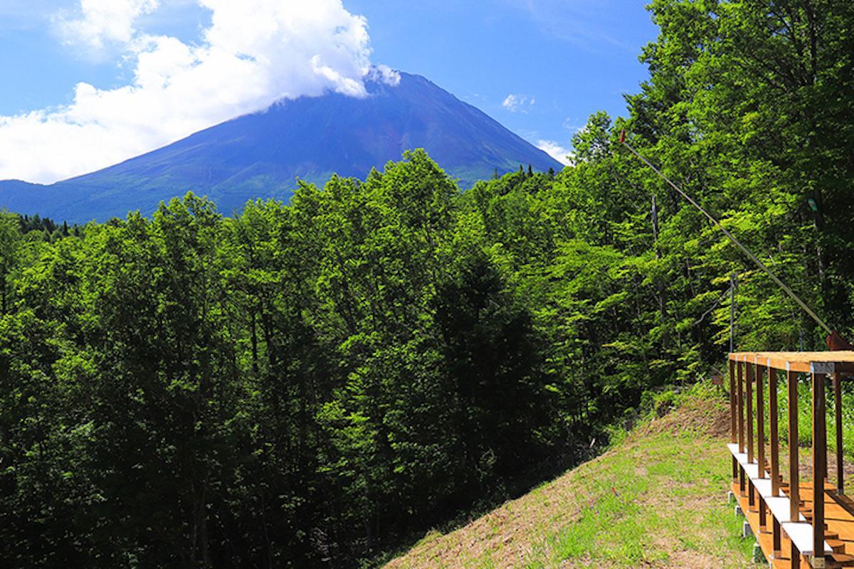 山頂の富士山展望デッキからの富士山
