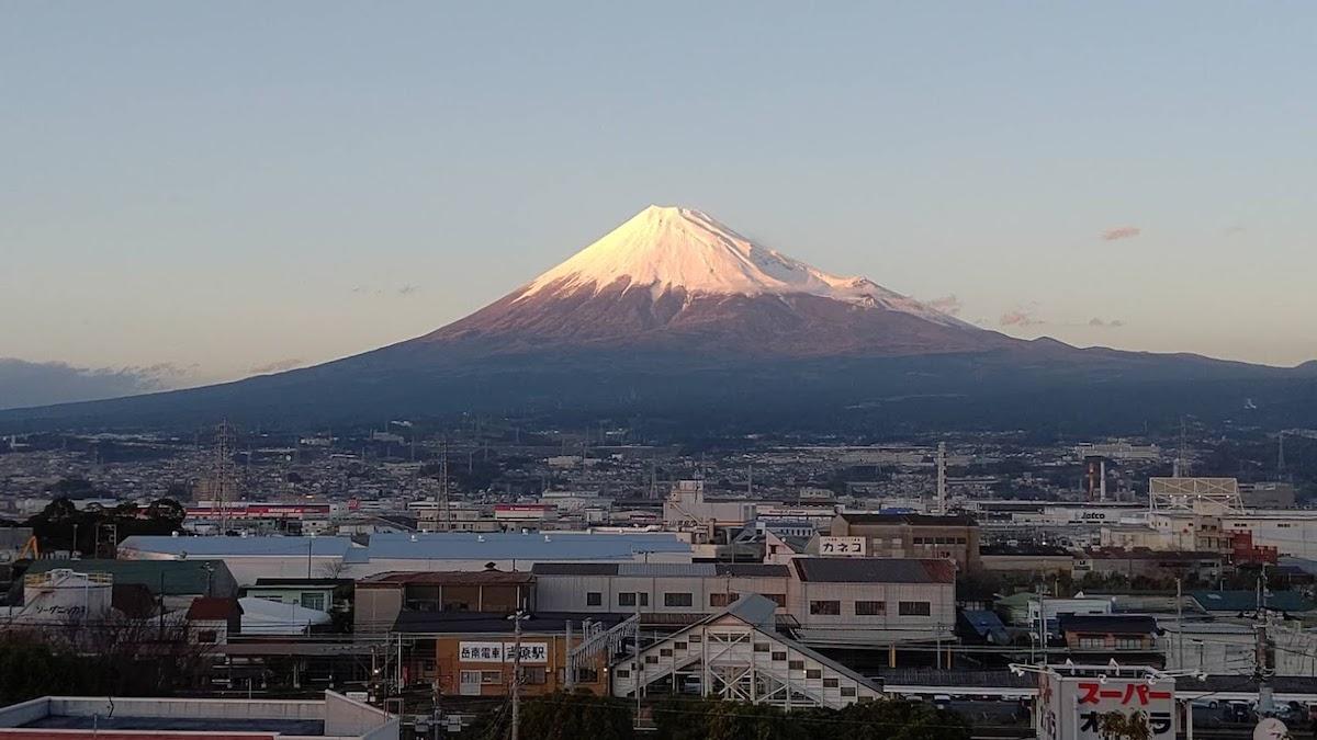 夕暮れの富士山などを鑑賞