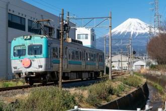 岳南電車がクラウドファンディング「岳南電車7000形25周年記念運転体験プロジェクト」