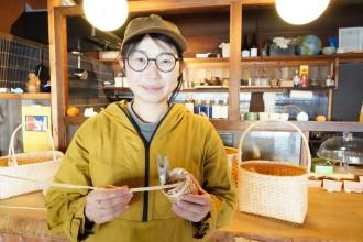 木之本・コマイテイで「花かご」作り体験講座 地元の生活道具を継承