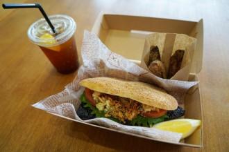 余呉町・さばずし専門店が「三太郎の鯖サンドウィッチセット」販売開始