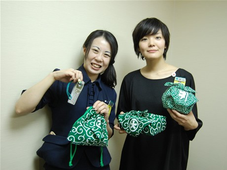 長崎ネタプロジェクトのメンバー石井さん(左)と高山さん(右)