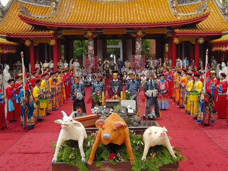 2007年に行われた孔子生誕祭(長崎孔子廟・中国歴代博物館提供)