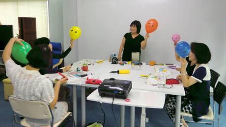 参加者が先生と子ども役になってワークを進める