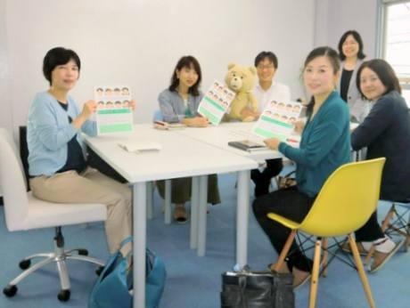認定講師ら。右奥は川嵜副支部長