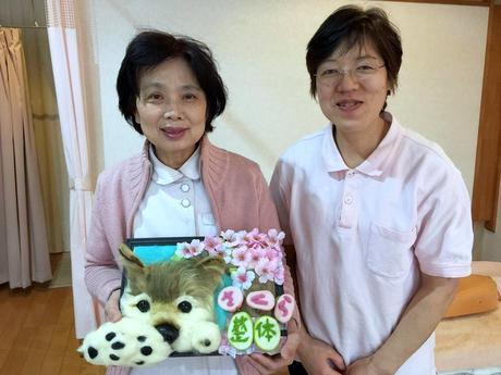 長田さん(左)とスタッフの山道理香さん
