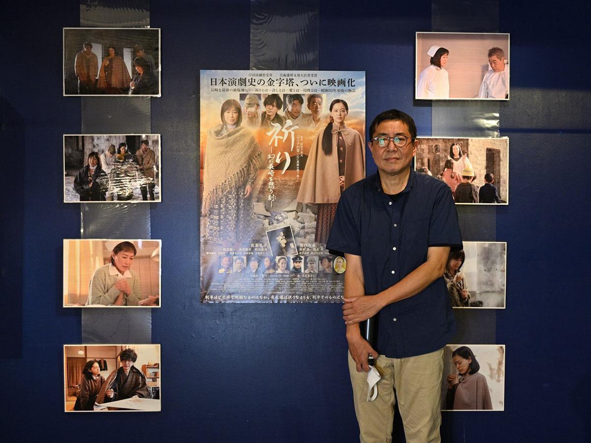舞台あいさつで映画館を訪れた松村監督