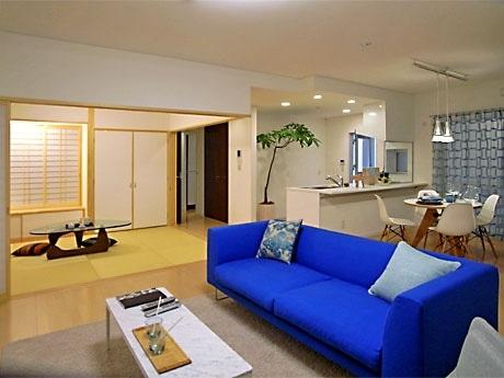 2番目の広さとなるGタイプ(約28坪)のモデルルームで、対面キッチンや和室、テラスなどを備えた角部屋の物件を展示する